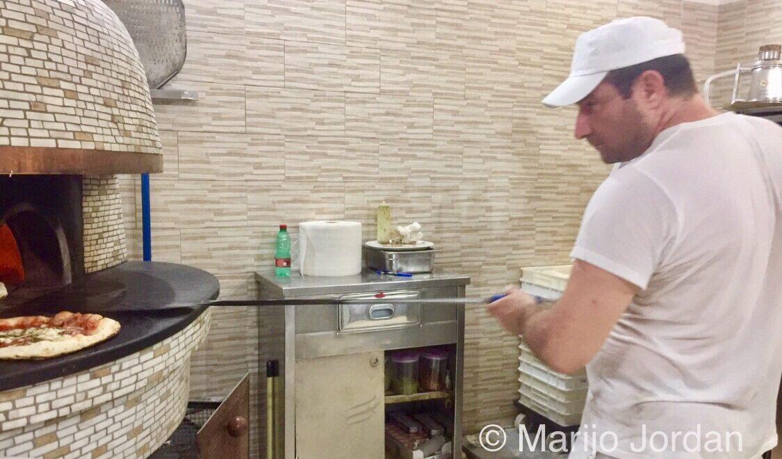 Cuatro cenas en Nápoles, pizzas, anécdotas y un toque de limón