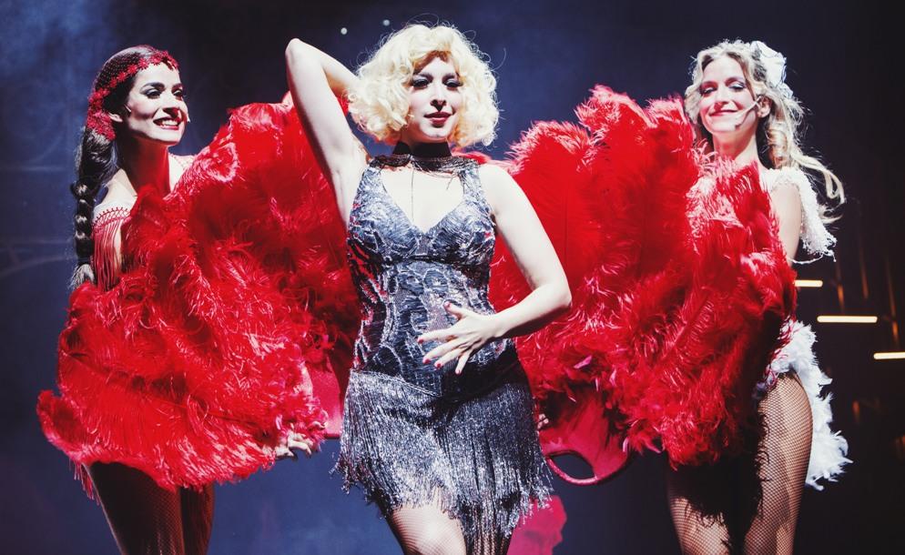 Gisela, vestida para pasar de niña a mujer en el musical Rouge Fantastic Love