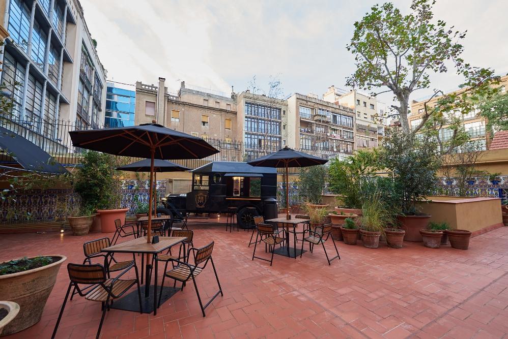 massimo-dutti_the-terrace-2-1